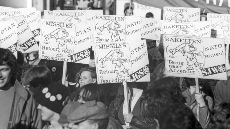 Una manifestación de protesta contra el despliegue de misiles de la OTAN en Bélgica. Reproducción.