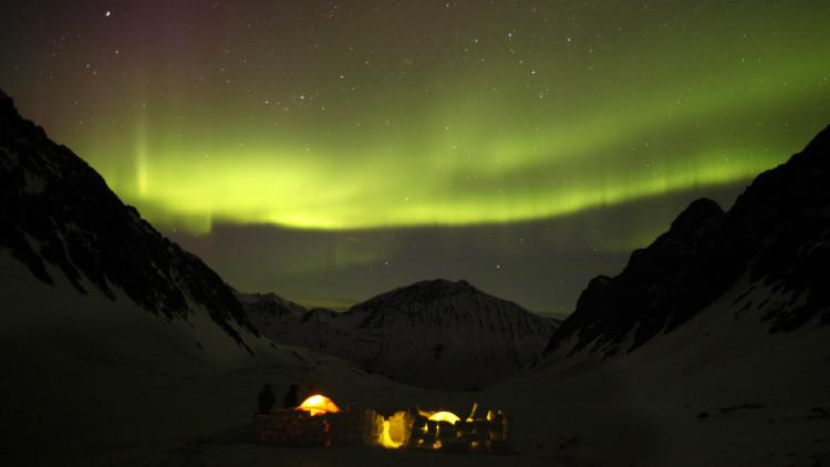 Científicos resuelven el enigma de los estallidos arremolinados de las auroras polares