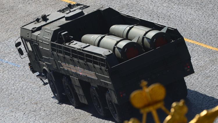 El sistema de misiles tierra-tierre Iskander-M en el desfile del 69 aniversario de victoria en la Gran Guerra Patriótica
