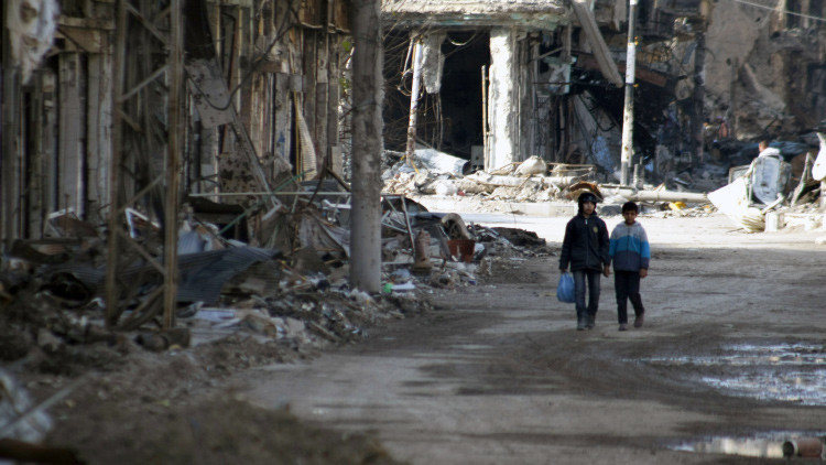 Un ataque con misiles del EI contra una escuela siria mata a nueve niñas