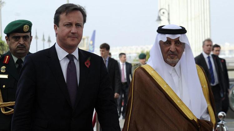 Armario lleno de esqueletos: Reino Unido quiere esconder el pacto secreto con Arabia Saudita