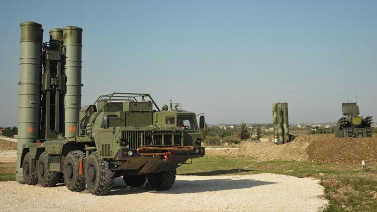 Video: S-400 en marcha, el sistema antiaéreo más potente de Rusia vigila el cielo sirio