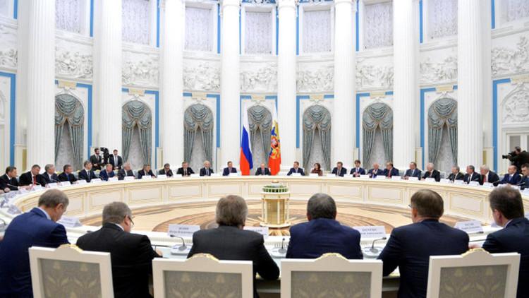 El presidente de Rusia, Vladímir Putin, durante un encuentro con los empresarios en el Kremlin