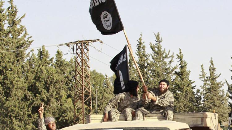 """""""Si alguien no les gusta, lo decapitan"""": ¿de qué huyen los miembros del Estado Islámico?"""