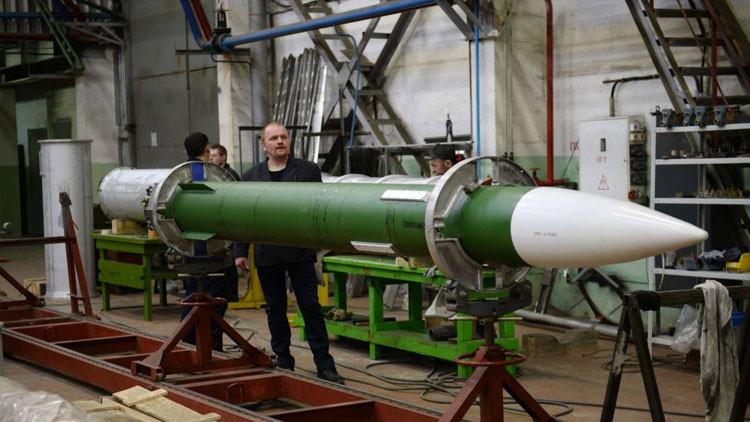 """""""Rápido y preciso"""": Rusia desarrolla un innovador misil para su sistema antiaéreo Buk-M3"""