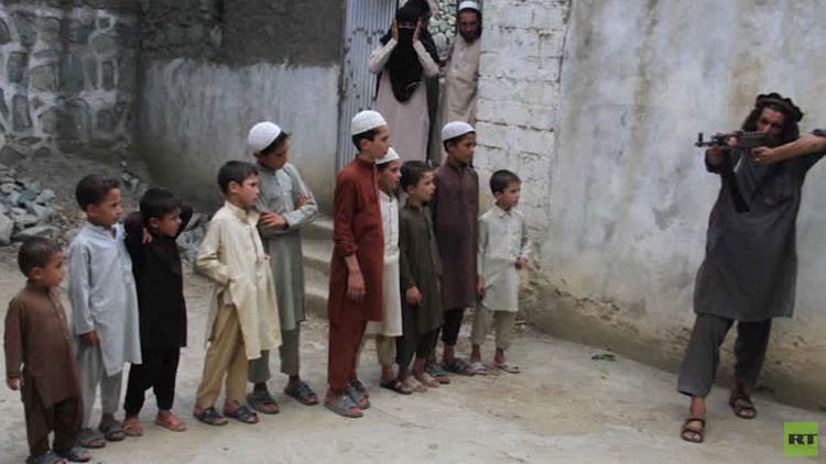 La escuela de la yihad: Reportero comparte con RT su impresión tras visitar un campo de niños del EI