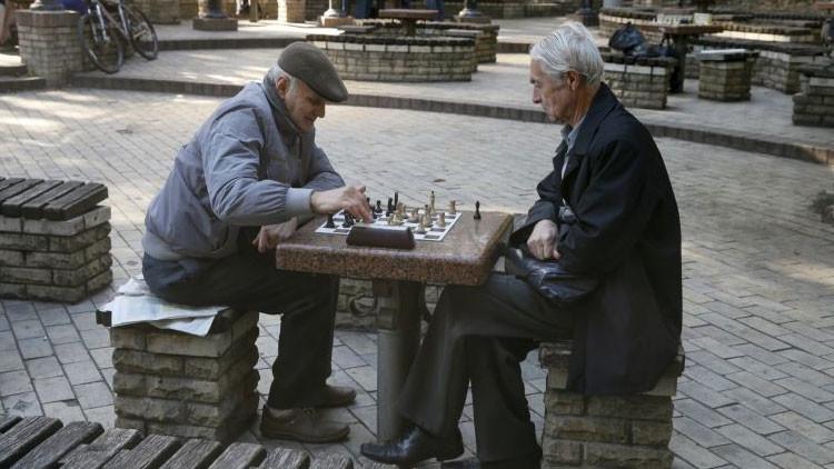 Las ventajas de ser listo: ¿Las personas inteligentes viven más?