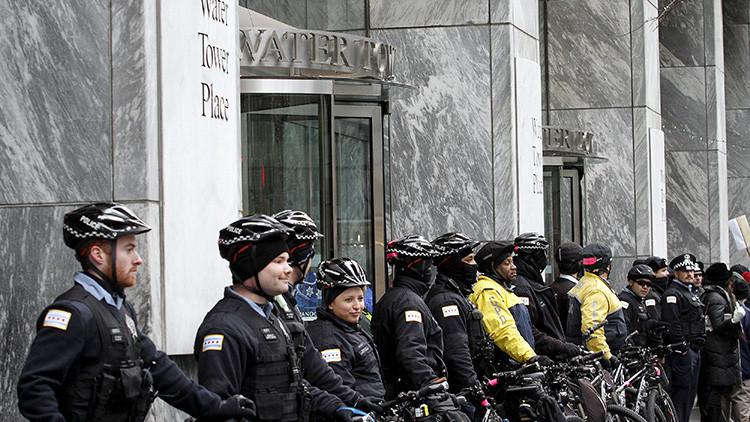 Policías matan por accidente a una mujer durante las fiestas navideñas en Chicago