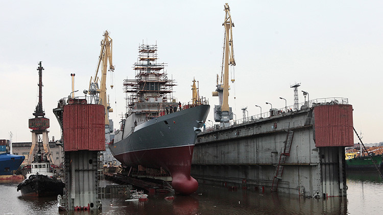 Rusia lanza una serie de pequeñas corbetas con poderosos misiles de crucero