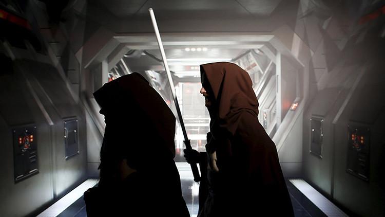 """""""El mensaje oscuro de la nueva película de Star Wars: Los súper ricos contra todos los demás"""""""