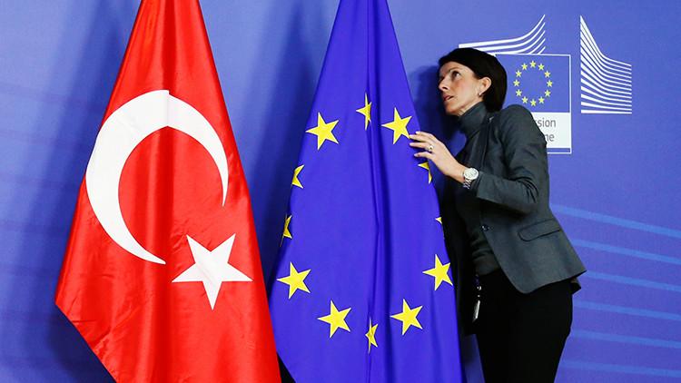 """Comisario europeo: """"Es poco probable que Turquía entre en la UE en los próximos diez años"""""""