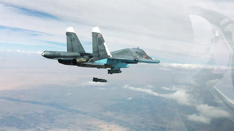 Aviones rusos destruyen otros 20 camiones cisterna de contrabando terrorista a Turquía