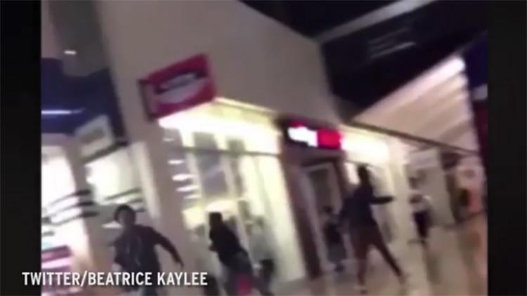 Video: Hasta 2.000 adolescentes participan en disturbios en un centro comercial de EE.UU.