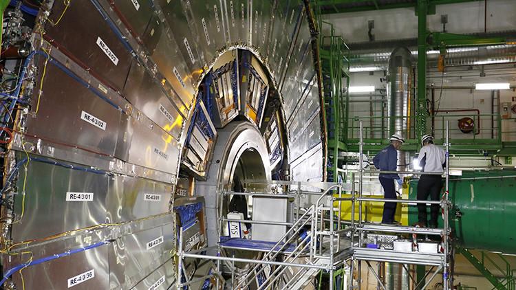 Todo sobre la anomalía observada en el Gran Colisionador de Hadrones que sorprende a la ciencia