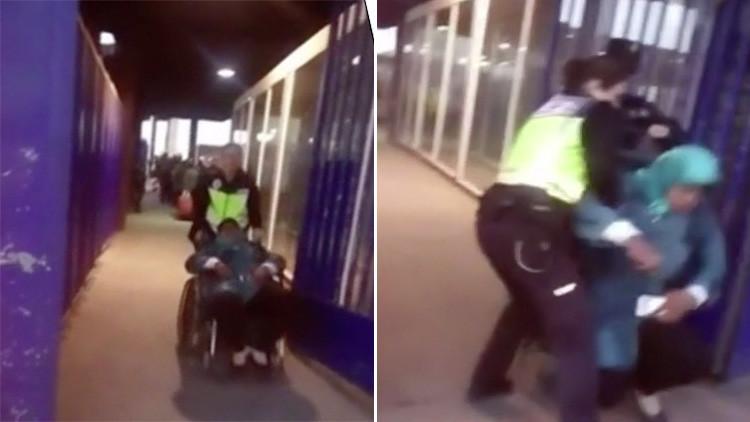 Video: Policías españoles tiran al suelo a una mujer marroquí en silla de ruedas