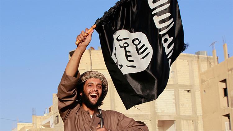 Un francotirador británico revela cómo combaten el miedo los yihadistas en las batallas