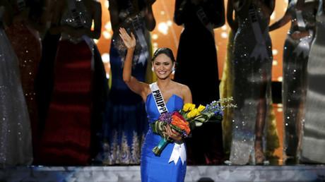 La representante de Filipinas, Pia Alonzo Wurtzbach, tras el anuncio de su victoria en el concurso de Miss Universo 2015