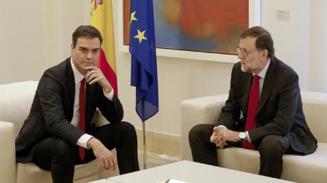 Pedro Sánchez y Mariano Rajoy en el palacio de la Moncloa, Madrid
