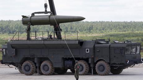 Maquina transportadora de misiles del sistema Iskander-M