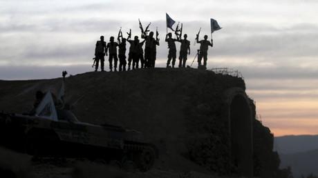 Extremistas sunitas durante un entrenamiento cerca de Damasco