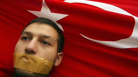 Turquía intensifica y rodea de silencio su guerra contra los kurdos