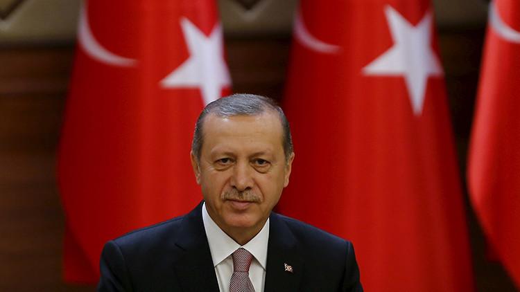 Erdogan quiere un sistema presidencial para Turquía y pone de ejemplo la Alemania nazi
