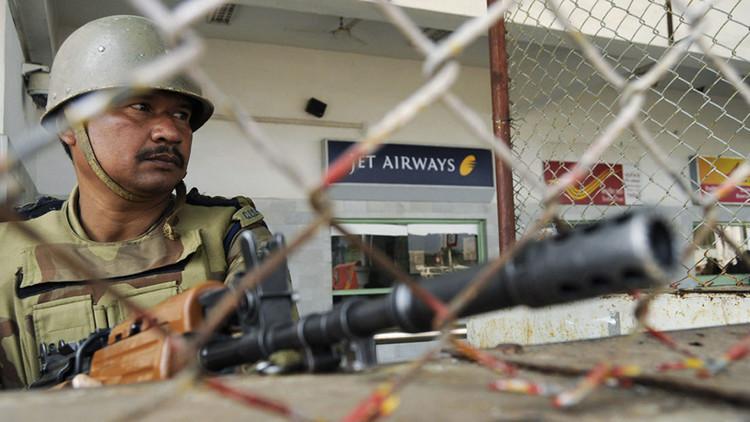 Siete muertos tras un ataque terrorista a una base aérea de la India
