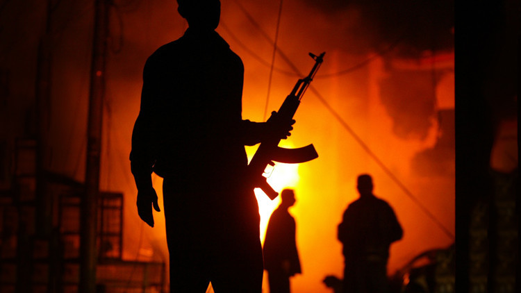 La embajada saudí en Bagdad, supuestamente en llamas tras el impacto de un misil