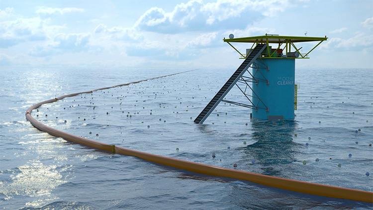 Prueban en aguas abiertas un gigante dique flotante que recogerá el plástico de los océanos