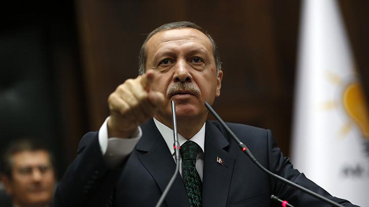 """""""El propósito de Erdogan para 2016: parecerse más a Hitler"""""""