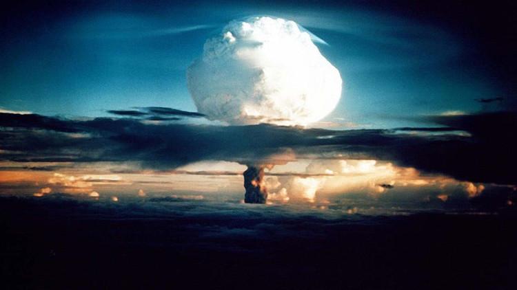 """Paul Craig Roberts: """"La tercera guerra mundial está a la vista"""""""
