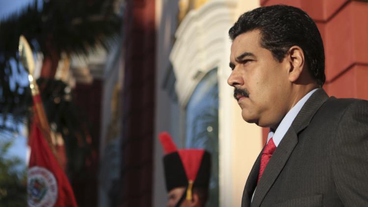 Venezuela reestructura su gabinete para enfrentar la crisis económica