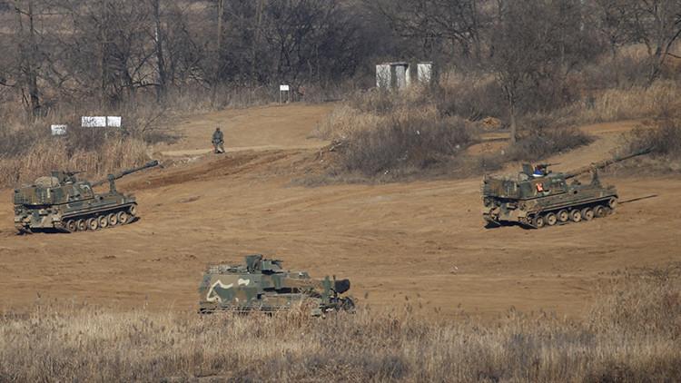 Corea del Sur despliega artillería en la frontera con el Norte