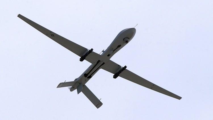 Dron MQ-1 Predator de EE.UU. armado con misiles Hellfire