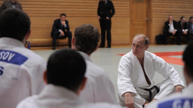 'Cuerpo a cuerpo': Putin demuestra su destreza en el judo (Video)