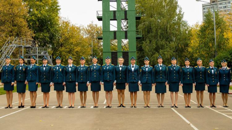 Rusas contra la catástrofe: las mujeres son parte indispensable del Ministerio de Emergencias
