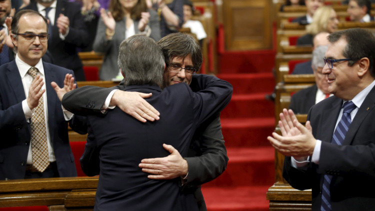 Carles Puigdemont, investido presidente de la Generalitat de Cataluña
