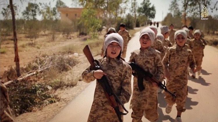 """""""El yihadista encerró a una niña de dos años en una lata y la puso al sol durante siete días"""""""