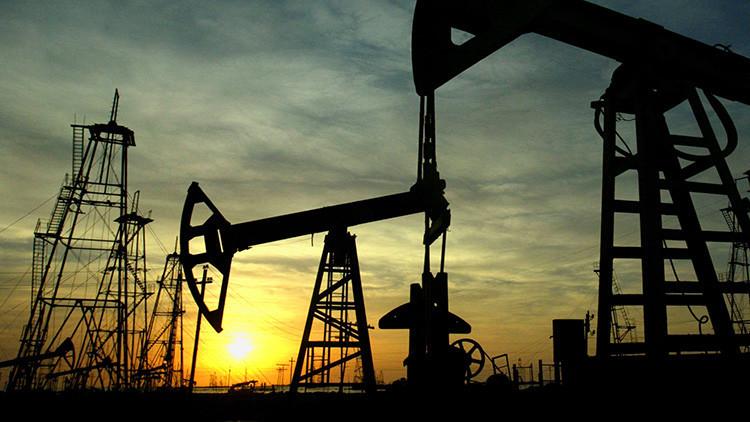 ¿Por qué Arabia Saudita se plantea desprenderse de empresas petroleras nacionales?