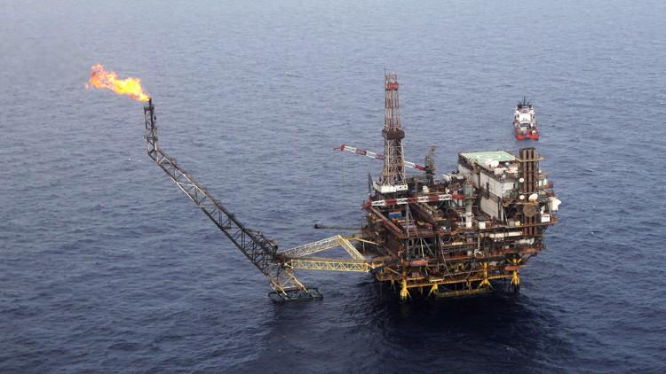 El precio del petróleo WTI cae por debajo de 30 dólares por barril por primera vez en 12 años