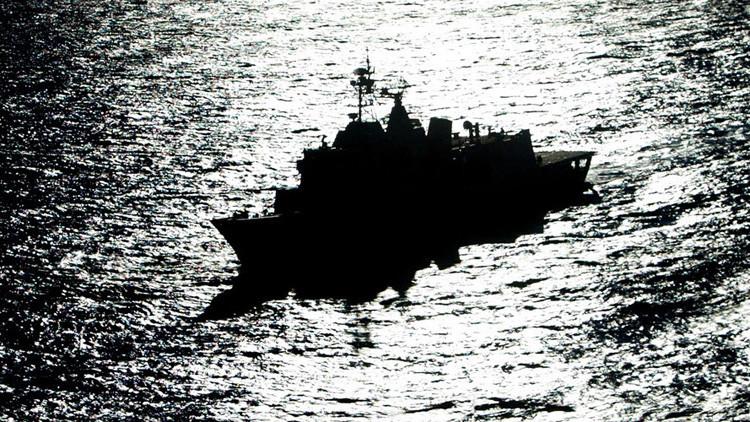 Irán intercepta a dos buques de la Marina de EE.UU.