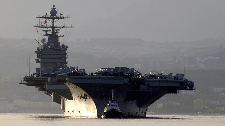 """Irán: Un portaaviones de EE.UU. realiza unas maniobras """"provocadoras"""" en el golfo Pérsico"""