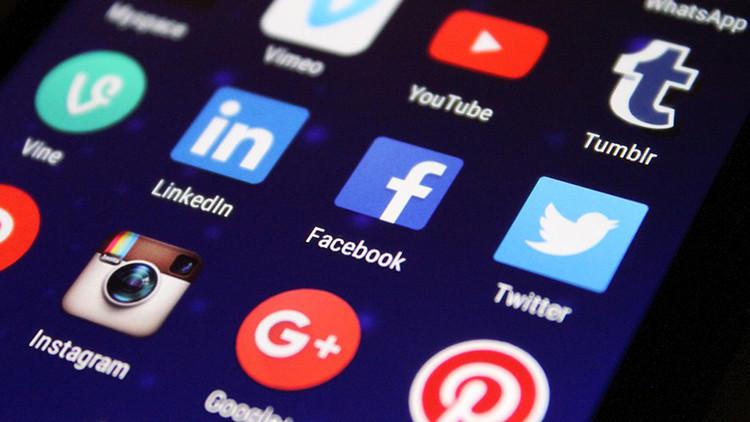 """Destacado sociólogo: """"Las redes sociales son una trampa"""""""