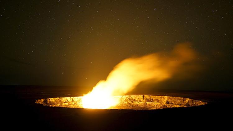 Video: la explosión en un lago volcánico de Hawái expulsa extraños huevos de cristal vacíos
