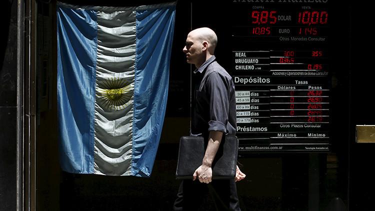 Argentina vuelve a hablar con los 'fondos buitre' para pagarles su deuda