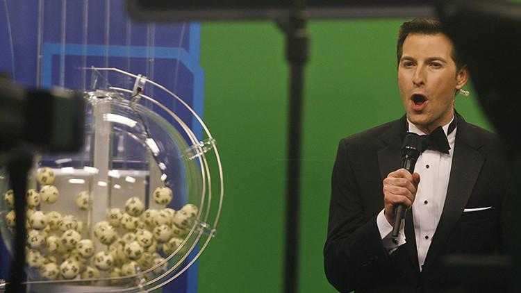 La lotería Powerball reparte 930 millones de dólares en medio de un viejo escándalo