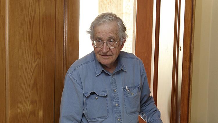 Chomsky acusa al presidente turco de mantener un doble rasero en relación al Estado Islámico