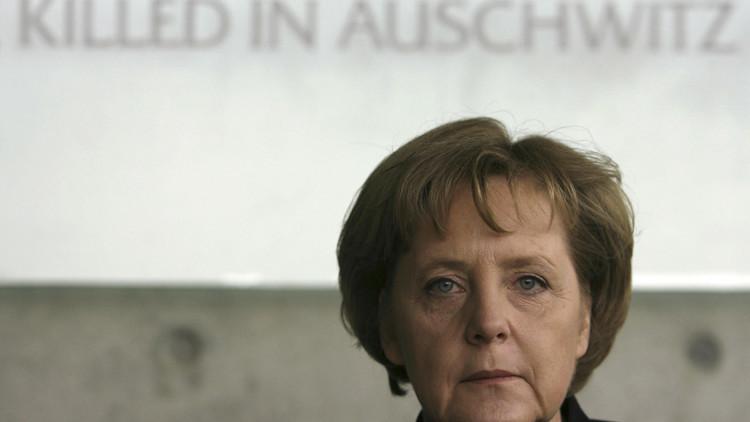"""""""Merkel tiene que ser desalojada de la Cancillería con una camisa de fuerza"""""""