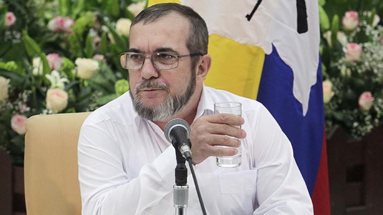 Polémico video del jefe de las FARC luciendo zapatillas Nike mientras critica al capitalismo