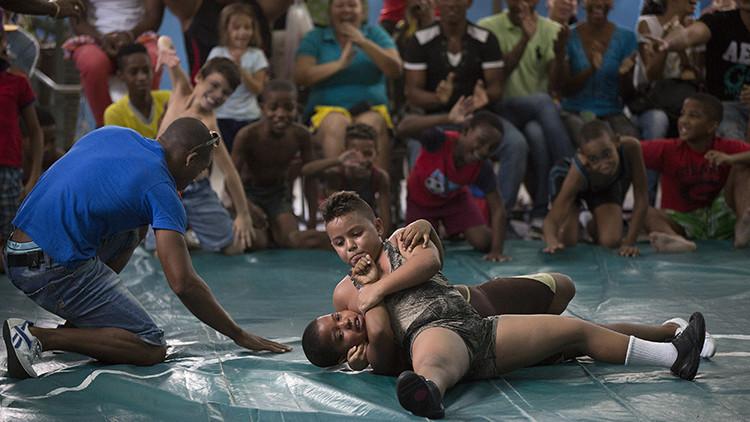 Lucha libre infantil en La Habana